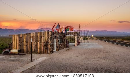 Cool Springs, Arizona, Usa - May 19, 2016: Rebuilt Cool Springs Station In The Mojave Desert On Hist