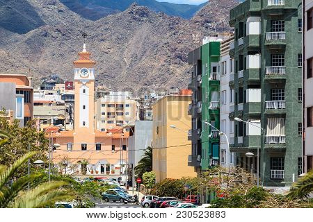 Santa Cruz De Tenerife, Spain - May 3, 2012: Mercado Municipal Nuestra Senora De Africa La Recova Or