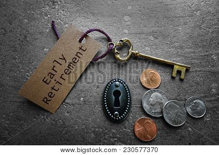 Early Retirement Tag With Gold Key, Keyhole And Coins