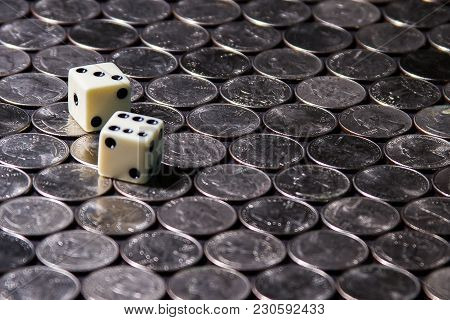Sharp Dice Rolled Over Silver Us Currency Quarters In A Uniform Pattern 1