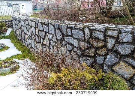 Natural Beautifu Stone Fencing, Stone Fence, Rock Fence