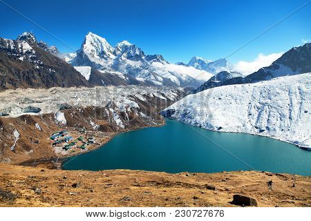 Dudh Pokhari Tso Or Gokyo Lake, Gokyo Village, Ngozumba Glacier, Arakam Tse Peak And Chola Tse Peak