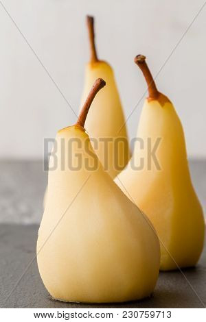 Delicious Poached Pears
