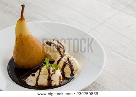 Delicious Poached Pear Dessert