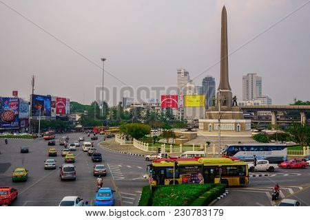 Victory Monument,bangkok Thailand 12 Mar 2018:people Using Public Transport For Traveling Victory Mo