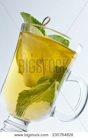 winter drink with mint