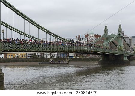London, 10 March 2018: Spectators On Hammersmith Bridge Waiting To Watch The Womens Head Of The Rive