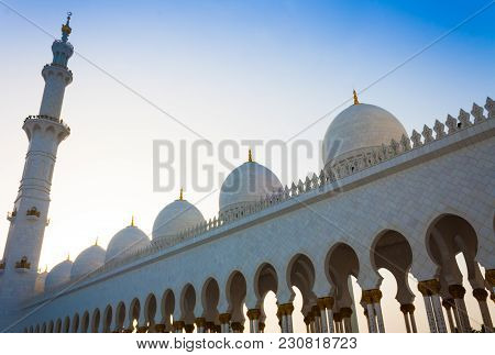 Sheikh Zayed Mosque In Abu Dhabi, United Arab Emirates In May 26, 2010