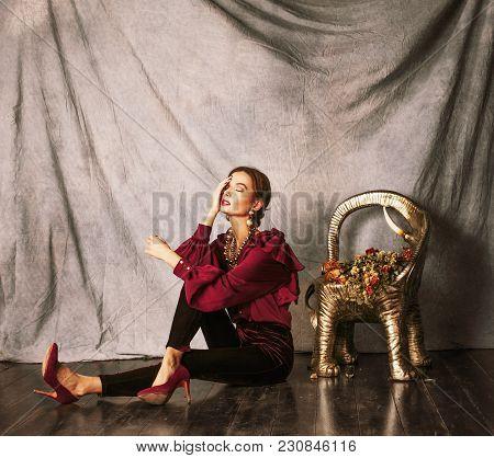 Beauty Rich Brunette Woman In Luxury Interior Near Empty Frames, Vintage Elegance Brunette Stylish