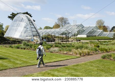London, Uk - April 18, 2014. Davies Alpine House And Princess Of Wales Conservatory At Kew Botanic G