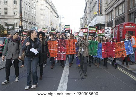 London, Uk. 19th Nov, 2016. Students Protest Against Fees And Cuts And Debt In Central London.