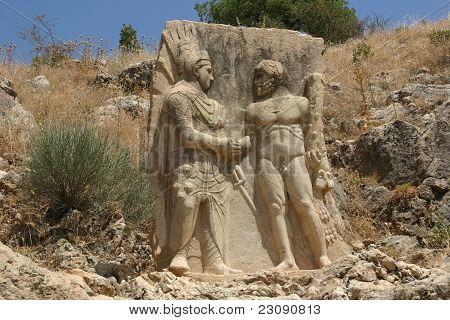 Antiochos schüttelte die Hand des Herkules