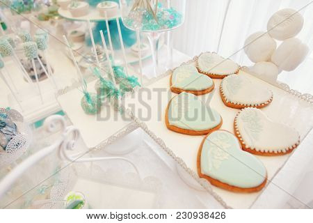Candy Bar. Gingerbread, Marshmallows, Sweets, Decorated With A Sweet Buffet, The Concept Of A Festiv