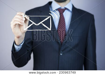 Business Man Drawing Social Network Structure In Screen