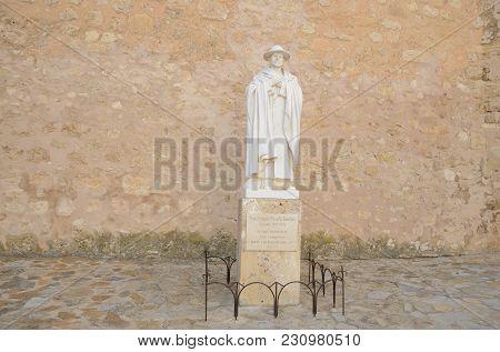 Belmonte, Spain -july 29, 2017: Smemorial Monument To Priest In Belmonte, Province Of Cuenca, Spain.