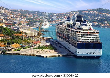 Picturesque nature seascape with cruise liner.