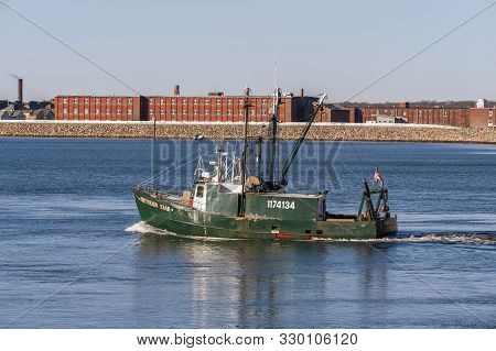 New Bedford, Massachusetts, Usa - March 18, 2019: Single-dredge Scalloper Sovereign Star Outbound In