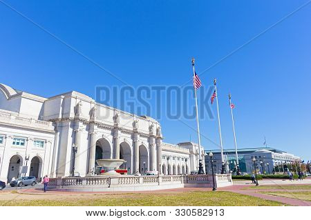 A Square In Front Of The Union Station Building In Washington Dc, Usa. Facade Of The Union Station B