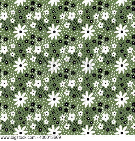 Ditsy Floral Vector Seamless Pattern. Small Black And White Meadow Flowers On Green Background. Tiny