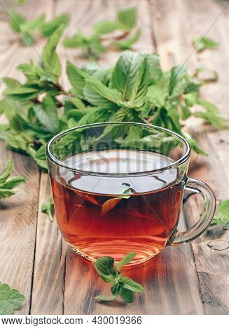 Herbal Tea With Mint. Antiviral Immune Herbal Tea. Vitamins To Strengthen The Immune System. Autumn