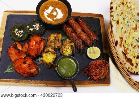 Indian Food Speciality Tandoori Mix Platter, Includes Chicken Tikka, Lamb Seekh Kebab, Fish Tikka, H