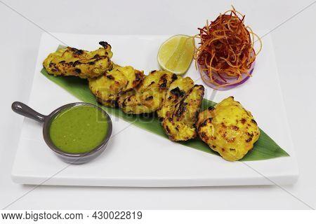 Zafrani Chicken Tikka, Saffron And Yoghurt Marinated Spiced Tandoori Chicken Cubes, Indian Cuisine