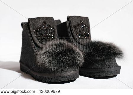 Valeshi, Russian Traditional Grey Felt Boots, Natural Felted Wool Boots Decorated With Fake Fur. Tre