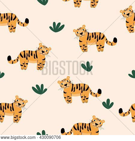 Vector Seamless Pattern With Spotted Tigers.  Tigers On A Beige Background.  Wildlife And Fauna, Vec