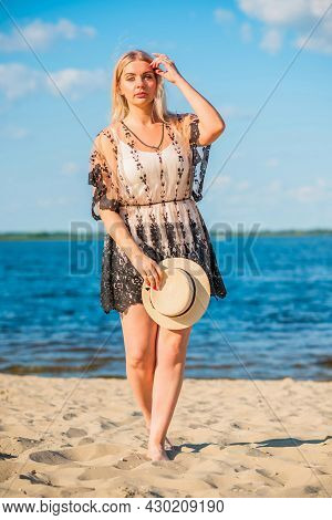 Plus Size American Sweet Woman At Nature, Enjoy The Life, Walk At Beach. Life Of People Xl Size, Hap