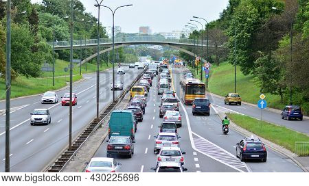 Warsaw, Poland. 18 August 2021. Traffic Jam On The Lazienkowska Route Due To Renovation