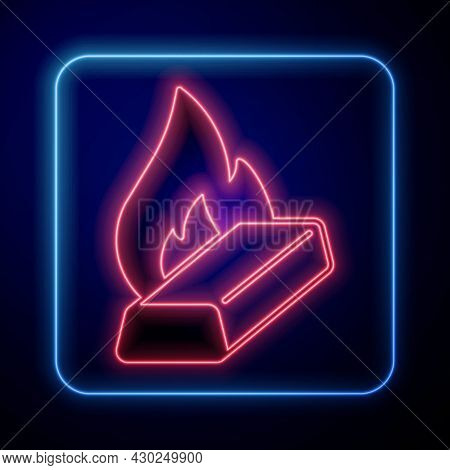 Glowing Neon Molten Gold Being Poured Icon Isolated On Black Background. Molten Metal Poured From La
