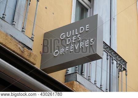 Bordeaux , Aquitaine France - 08 15 2021 : Guilde Des Orfevres Logo And Text Boutique Shop Commercia