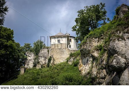 Ojcow, Poland - August 2, 2021: Ruins Of A Medieval Ojcow Castle. This Is A 14th Century Stronghold,