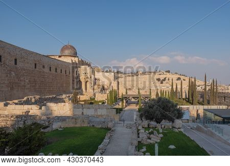 Temple Mount South Wall With Al-aqsa Mosque And Archeological Excavation Site In Jerusalem Old City.