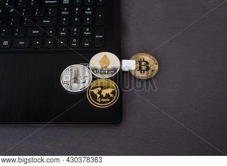 Huge Stack Of Cryptocurrencies. Bitcoin Business. Crypto Currency Gold Bitcoin. Bitcoin Business Mod