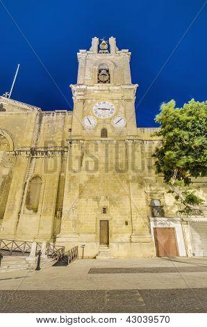 Saint Julians ve Vallettě, Malta