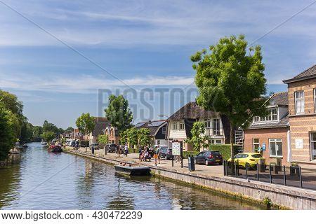 Haastrecht, Netherlands - May 21, 2020: River Hollandsche Ijssel In The Historic Center Of Haastrech