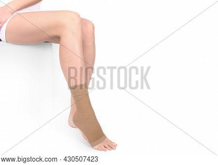 Orthopedic Ankle Brace. Medical Ankle Bandage. Medical Ankle Support Strap Adjustable Wrap Bandage B