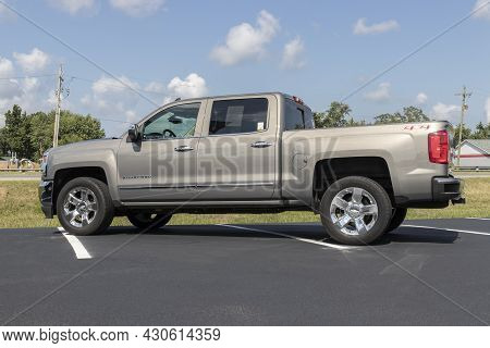Kokomo - Circa August 2021: Chevrolet Silverado 1500 Display. Chevy Is A Division Of Gm And Offers T