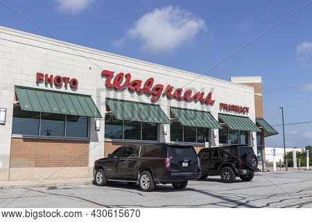 Kokomo - Circa August 2021: Walgreens Pharmacy And Goods Location. Walgreens Operates As The Second-