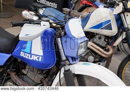 Bordeaux , Aquitaine  France - 08 17 2021 : Suzuki Dr Big Motorcycle Vintage Retro Motorbike Trail P