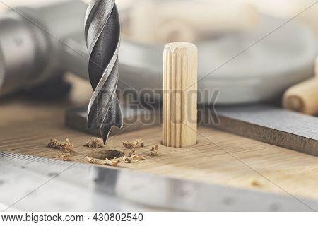 Drill Bit Make Hole For Dowel In Wooden Oak Board