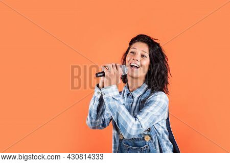 Girl Singing. Vocal School Concept. Karaoke Club. Music Is My Life. Woman Sing With Mic. Cheerful Ev