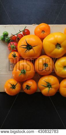Colorful Tomatoes, Yellow And Red Tomatoes, Summer Vegetables, Tomatoes Arranged In Colors, Tomatoes