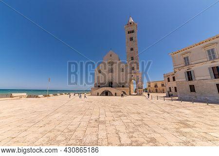 Trani, Puglia, Italy, June 2021: The Santa Maria Assunta Cathedral, Also Named San Nicola Pellegrino
