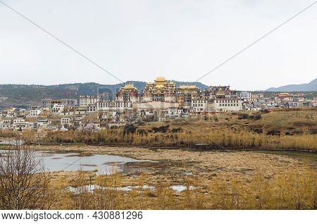 Yunnan,china - April 16,2017 : Songzanlin Temple Is The Largest Tibetan Buddhism Monastery In Yunnan