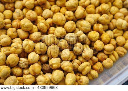 Turkey çorum Salted Chickpeas, Chickpeas Close-up, Yellow Chickpeas,