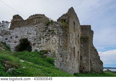 Toolse, Estonia - 11 August, 2021: View Of The Castle Ruins At Toolse In Northern Estonia
