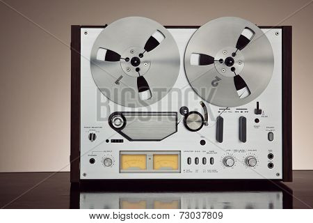Analog Stereo Open Reel Tape Deck Recorder Vintage For Professional Sound Recording