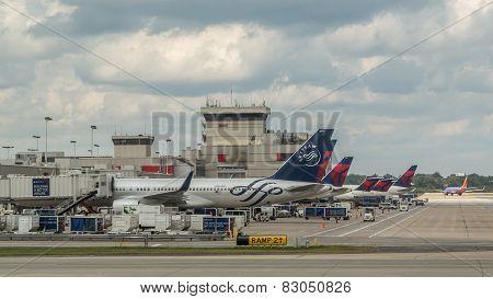 Delta Planes In Atlanta Airport